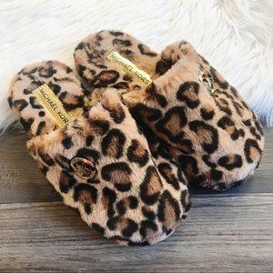 MK Fuzzy Leopard Slippers